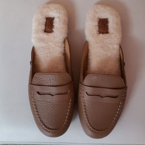 Authentic UGG Shaine Slip On Loafer - 9M